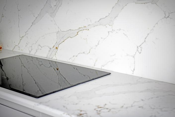 IQ Quartz Stone calacatta-Gold Quartz splashback