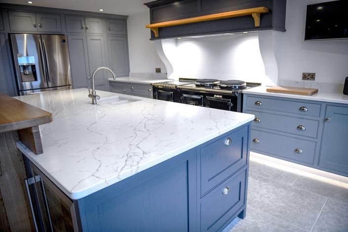 IQ-Quartz-stone-alabaster-Quartz-kitchen-worktops