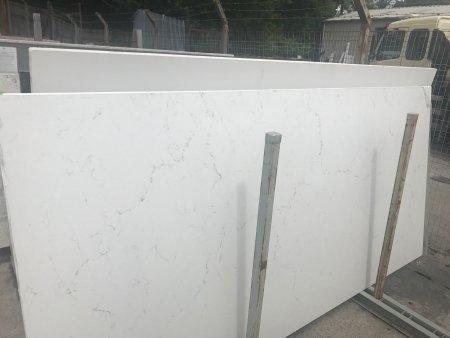Carrara Misterio quartz unistone
